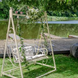 maison dadoo botez party cort decor floral