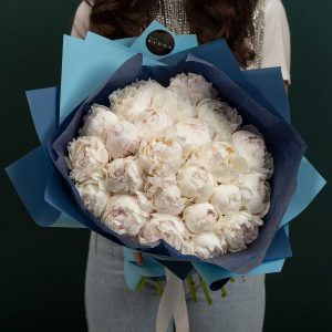 Buchet de bujori all white peonies