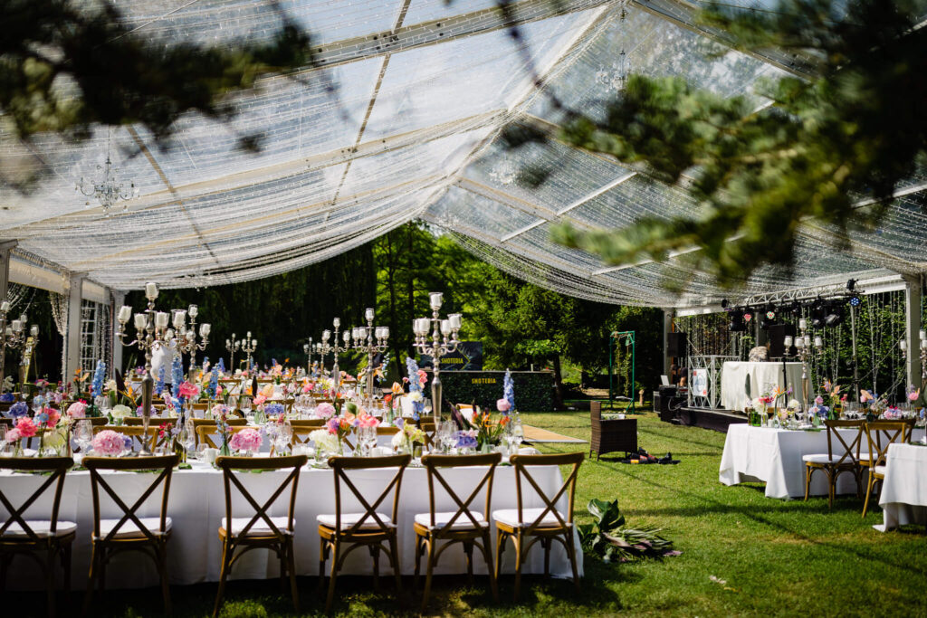 maison dadoo cununie casa privata cort decor floral exotic