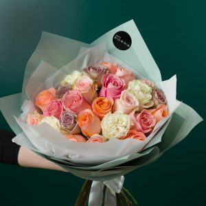 Buchet Trandafiri Multicolor Pastel