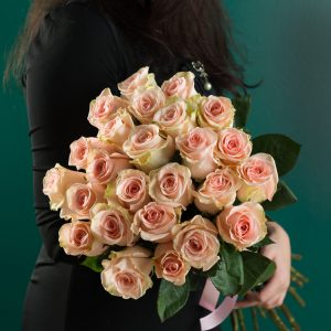 Buchet Trandafiri Roz Pudrat